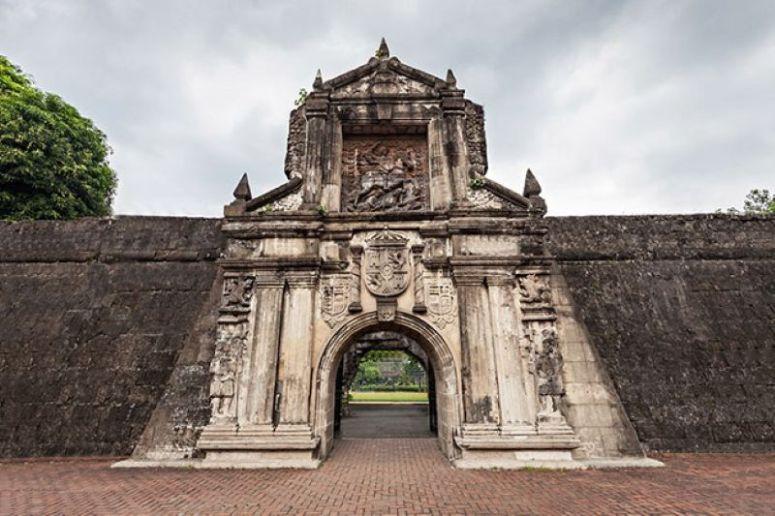 Đài tưởng niệm Fort Santiago