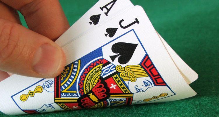 Điểm khác biệt giữa Blackjack Switch và Blackjack