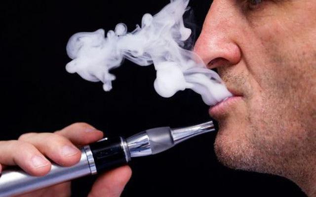 Philippines ban hành luật cấm hút thuốc lá điện tử nơi công cộng