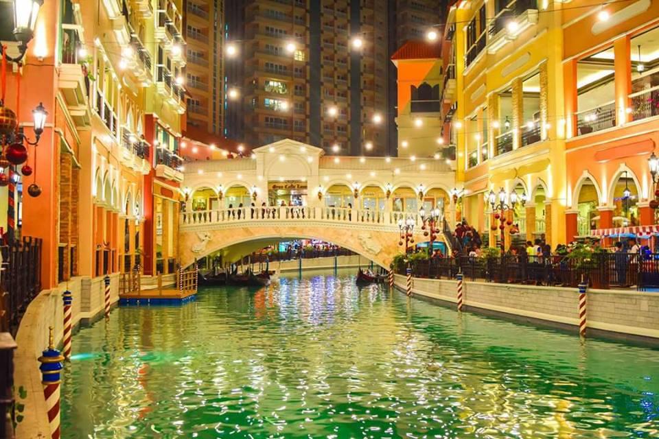 Du lịch Manila - Venice Grand Canal