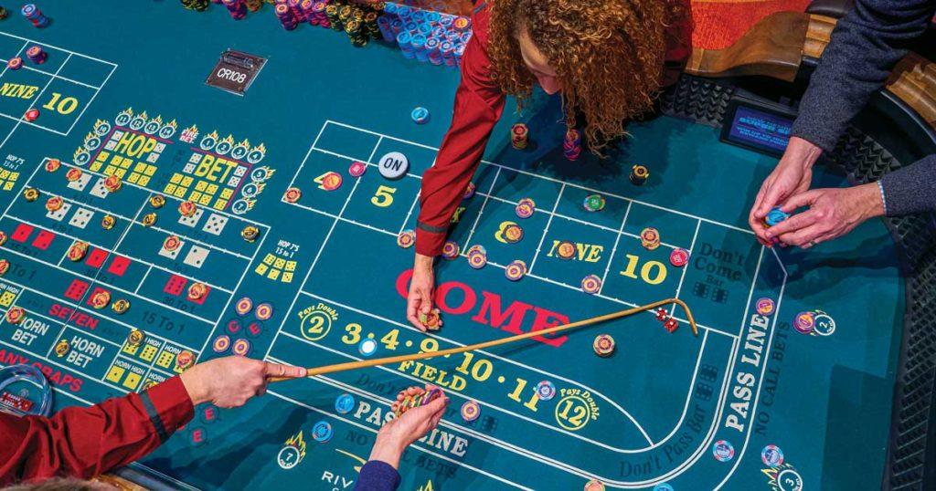 Người chơi Craps tại Casino